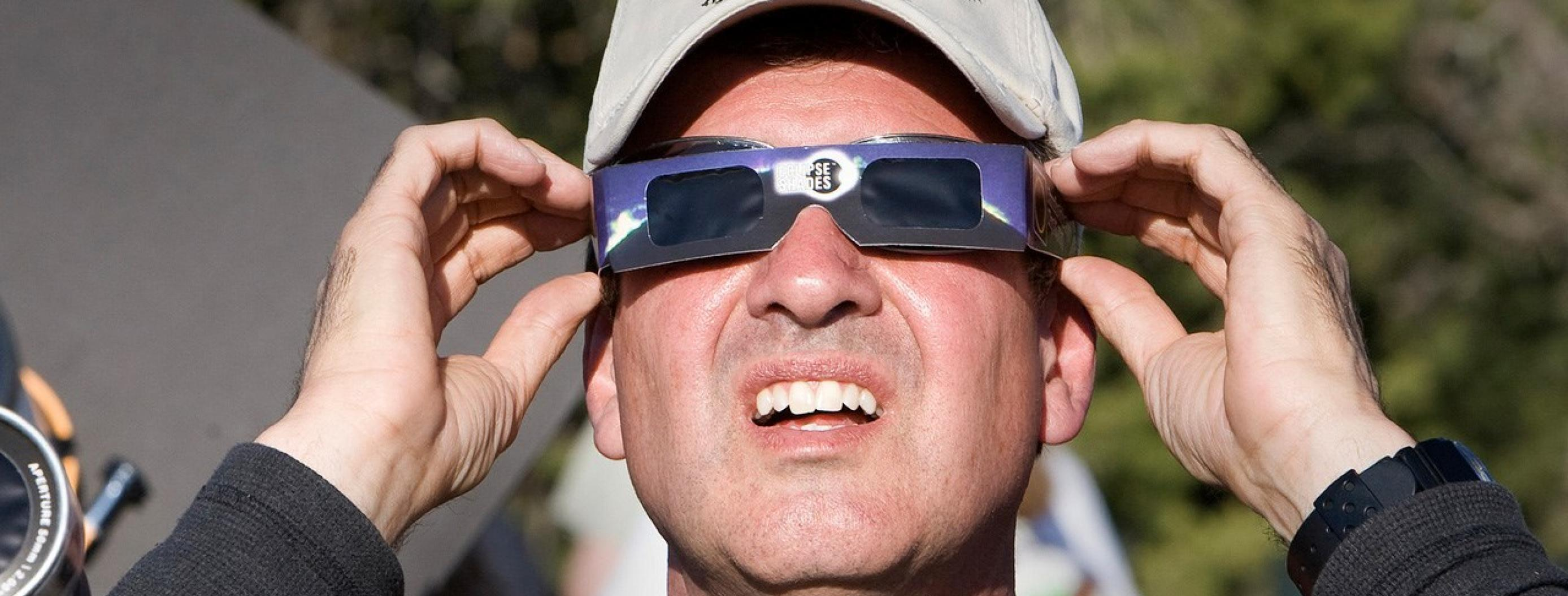 Amazon May Face a Class-Action Lawsuit for Selling Defective Eclipse Glasses