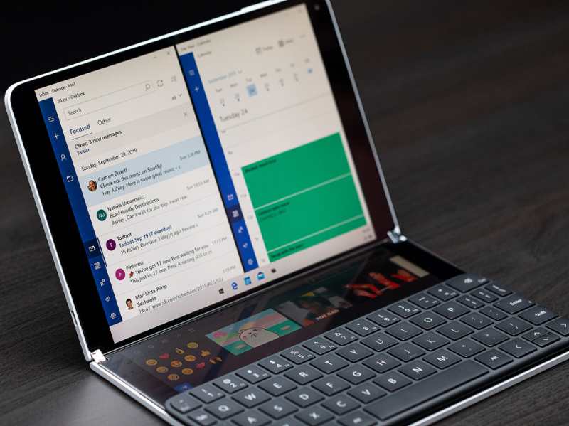 Microsoft Shows Off Windows 10X for the First Time