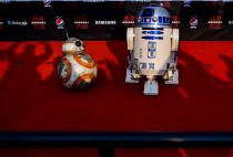 NASA Could Learn How to Build Space-Bound Repair Robots from Star Wars