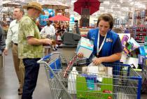 Top 5 Annoying Things Shoppers Do According to Walmart Employees