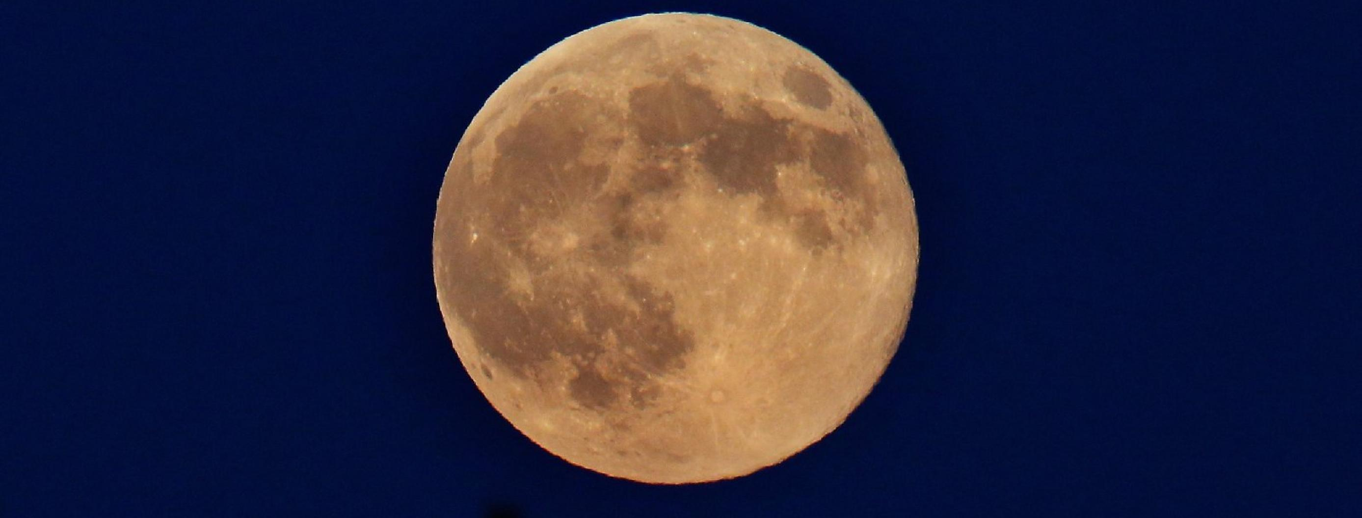 A Cold Supermoon is Coming Together with the Winter Solstice